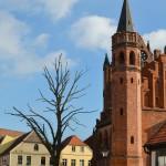 Marktplatz mit Historischem Rathaus und Blick auf St. Stephanskirche