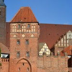 Roßfurt mit Elbtor / Hintergrund St. Stephanskirche