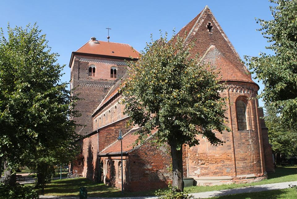 Wust - Romanische Kirche