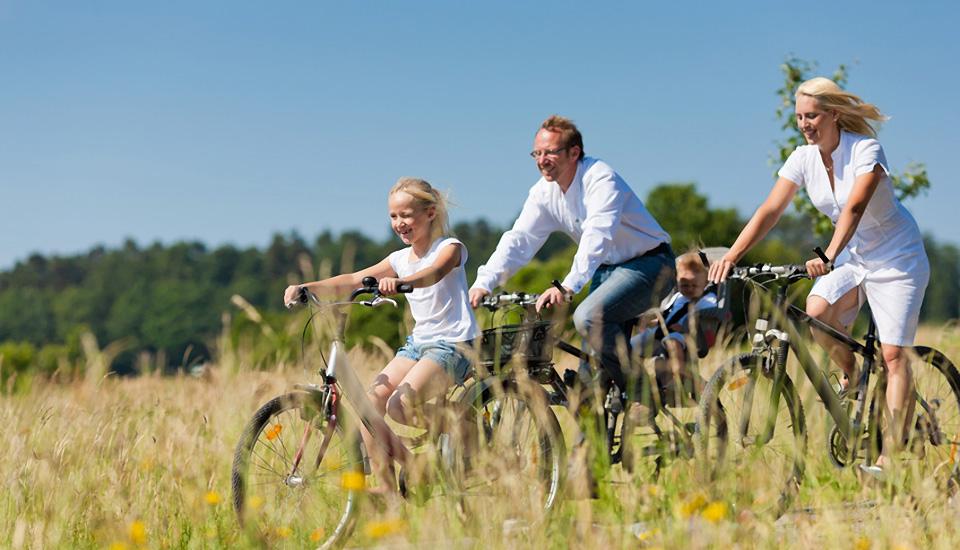 slider_gr_fahrradfamilie